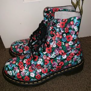 Dr martens airwair floral boots Size 7